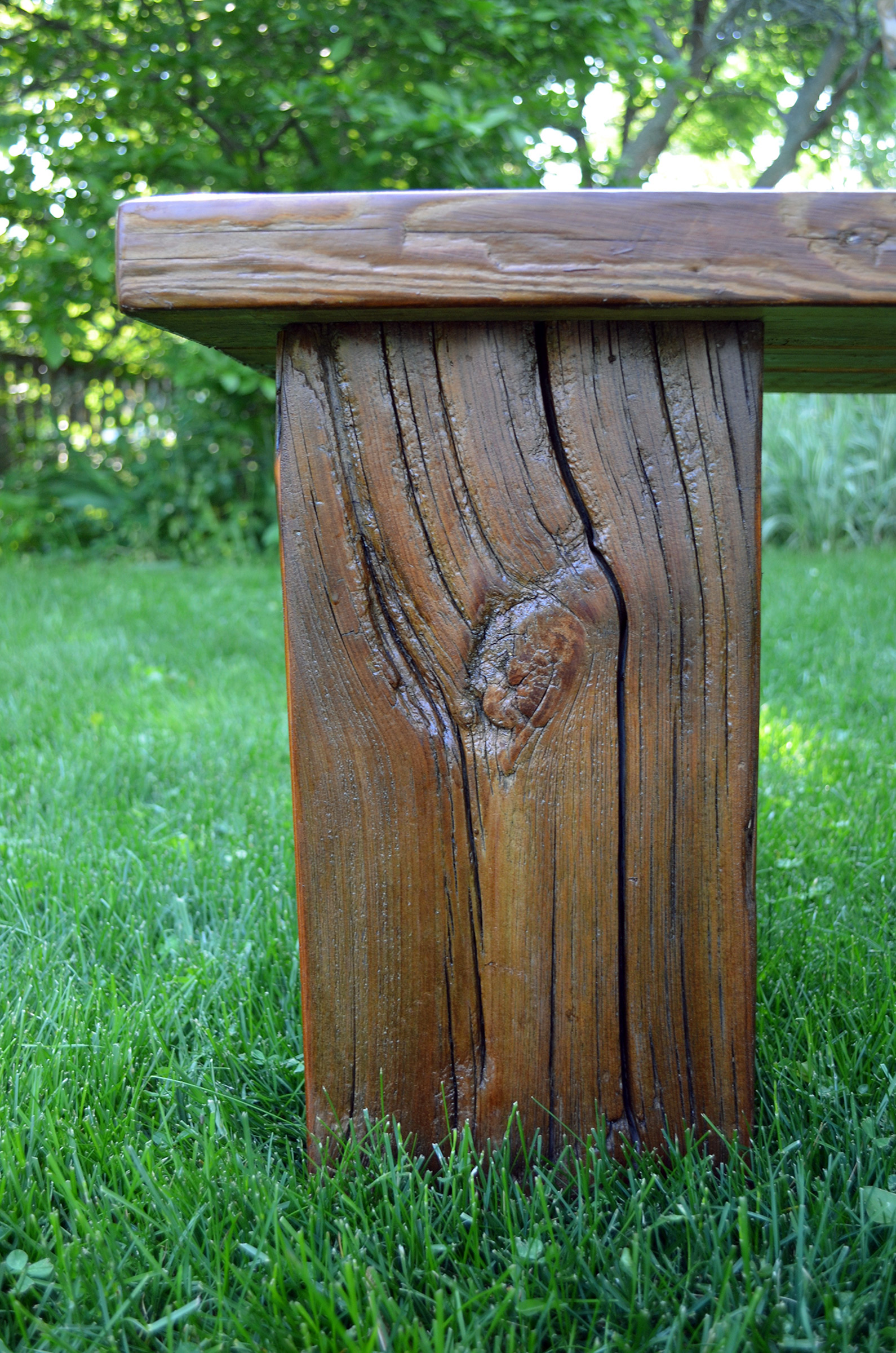 Rustic wood outdoor bench abodeacious for Outdoor hardwood timber